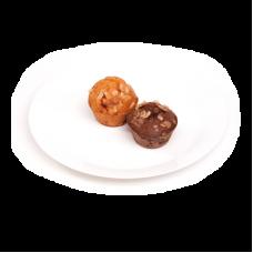 Кекс шоколадный/вишневый с миндалем
